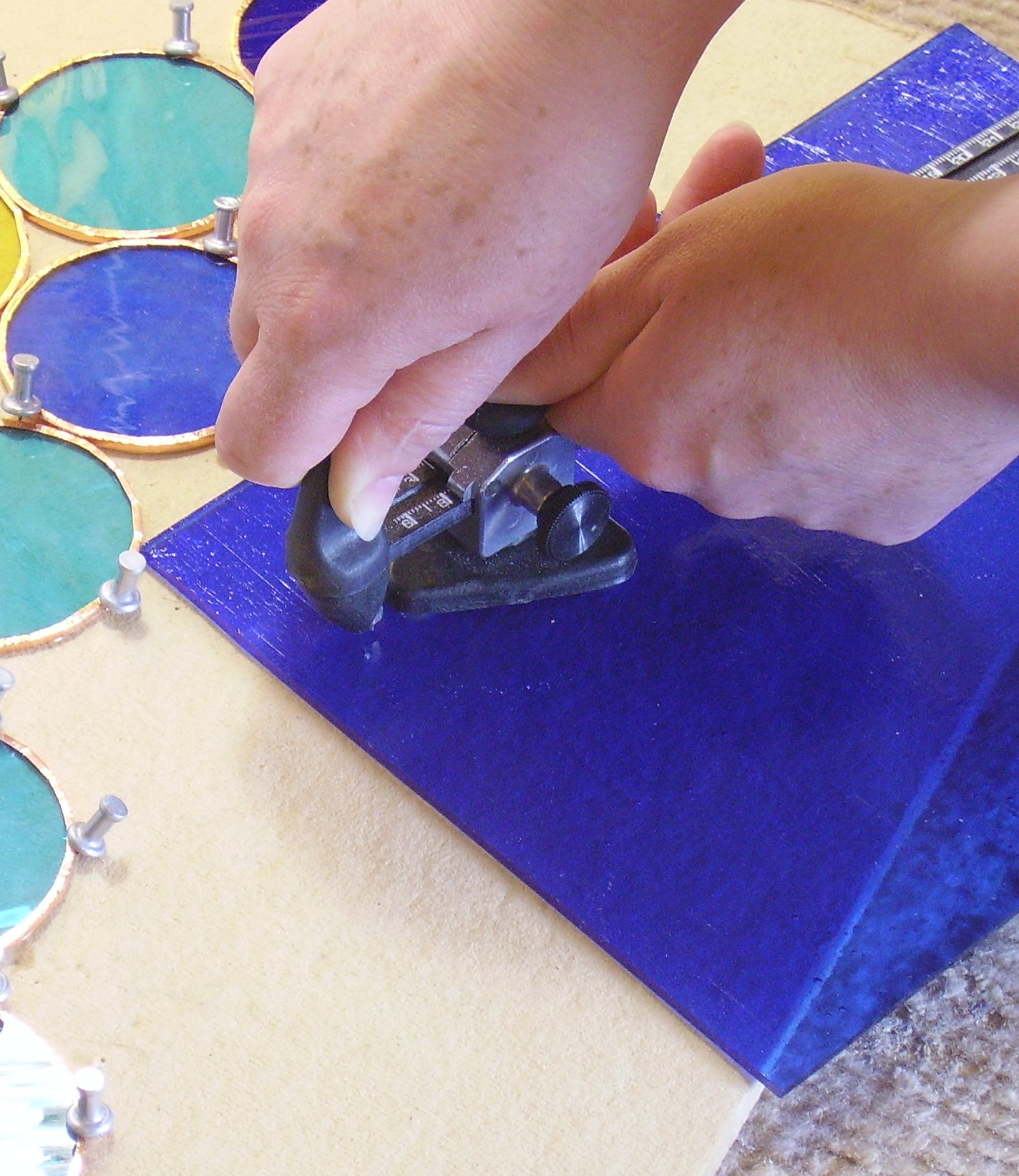 Using the circle cutter for stained glass