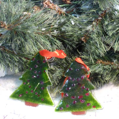 hand-made fused glass tree Christmas tree decorations available to buy online at Vitreus Art