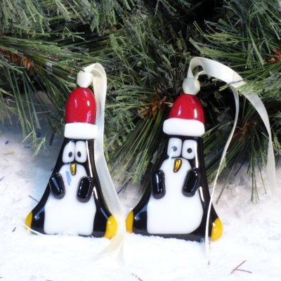Fused glass penguin christmas decorations available to buy online at Vitreus Art