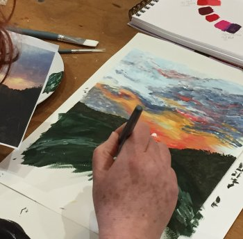 Confidence building exercises on this evening drawing and painting course at Vitreus Art