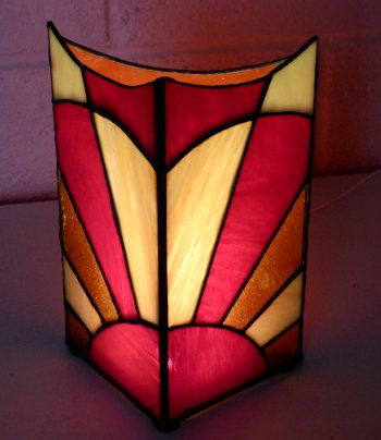 Make your own stylish stained glass column lamp