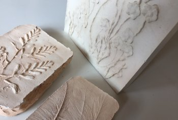 Create 3 plaster cast relief tiles in one day with Vitreus Art