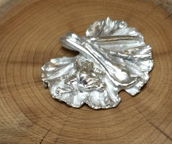 Make a silver leaf pendant using a real leaf and PMC Paste on the Vitreus Art PMC for beginners class