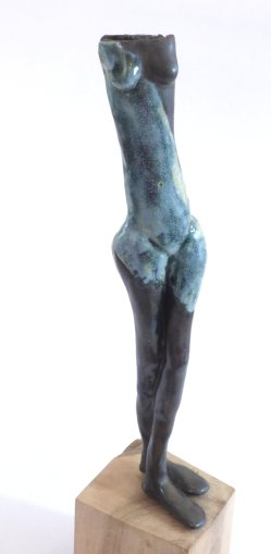 Nude Form ceramic sculpture by Richard Ballantyne