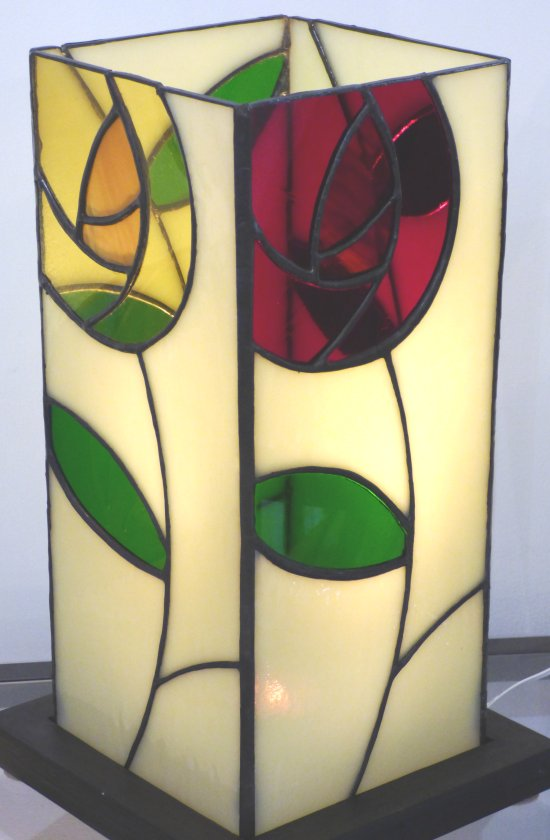 Vitreus Art - stained glass column lamp in a rose design
