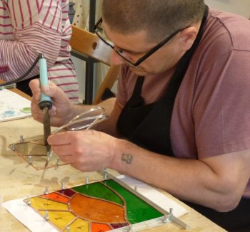 A beginners stained glass class led by Vitreus Art